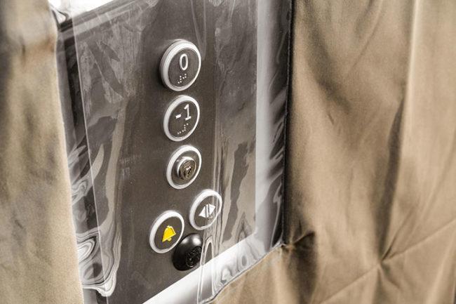 Fenêtre pour boîte à boutons